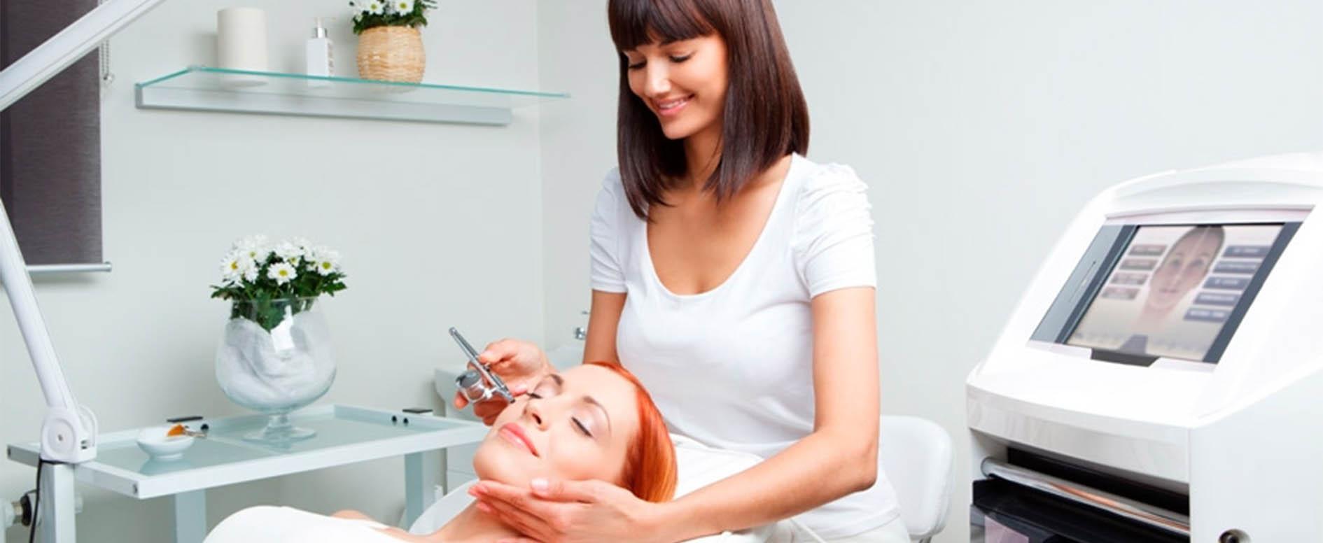 Косметолог - описание профессии косметолога | Обязанности, зарплата и где  учиться на косметолога